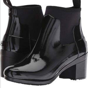 Hunter Women's Black Slim Fit Gloss Mid Heel Boots